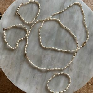 5 piece pearl and gold set